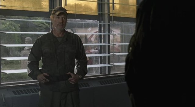 Falling Skies S1x02 - Will Patton as Captain Weaver