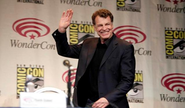 Wondercon 2012 - John Noble of Fringe enters the stage