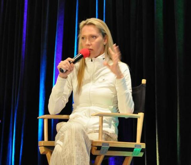 Stargate Vancouver 2012 - Andee Frizzell