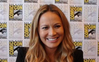 SDCC 2012 Falling Skies Press - Moon Bloodgood