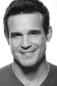 Click to visit and follow Eddie McClintock on Twitter!