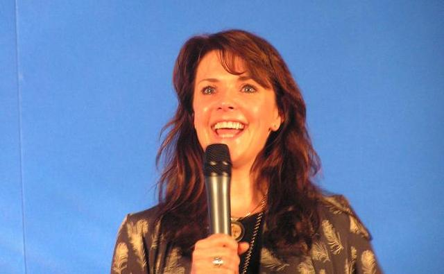 AT5 - Amanda Tapping says good bye!