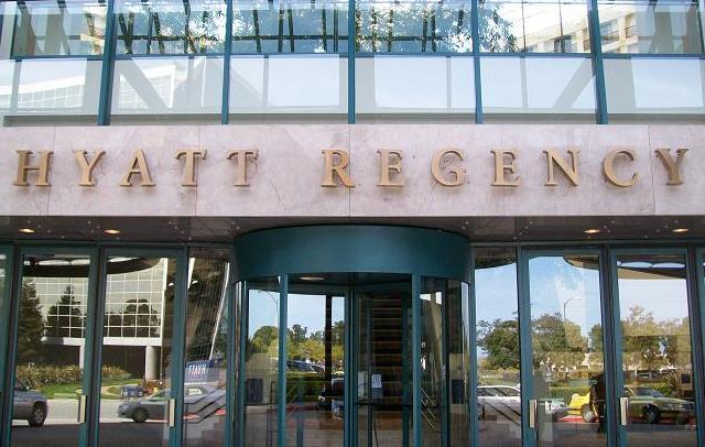 Creation Star Trek San Francisco - Hyatt Regency Airport entrance