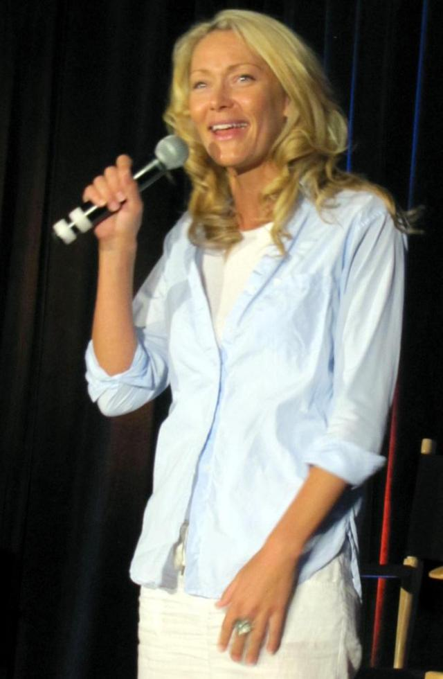 Stargate VanCon 2010 - Andee Frizzell