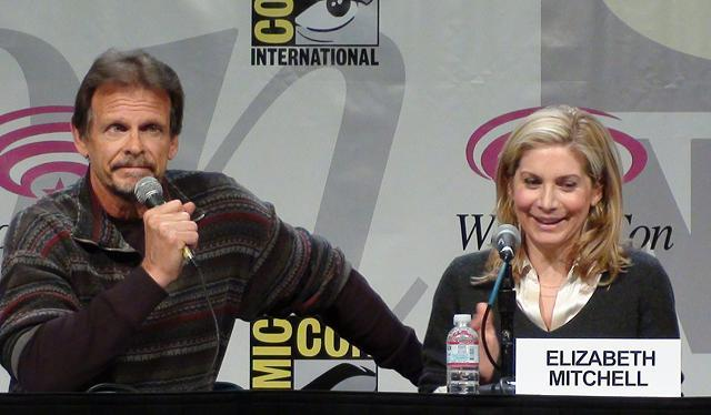 WonderCon 2011 - V Series Marc Singer and Elizabeth Mitchell!
