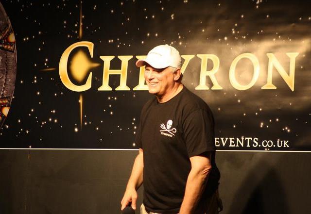 Chevron 7.6 - Richard Dean Anderson