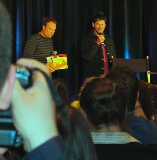 Stargate Vancouver 2011 - David Hewlett and Joe Flanigan