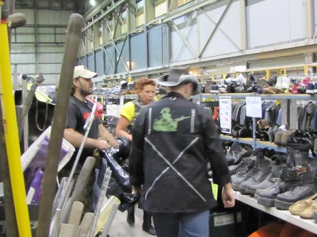Stargate Liquidation - Shopping at Bridge Studios
