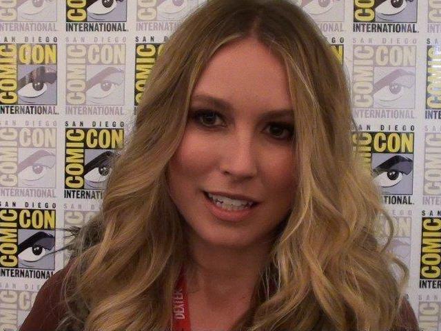 Comic-Con 2011 - Sarah Sanguin Carter - Falling Skies Press