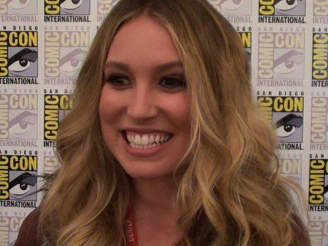 Comic-Con 2011 - Sarah Sanguin Carter - Falling Skies Press