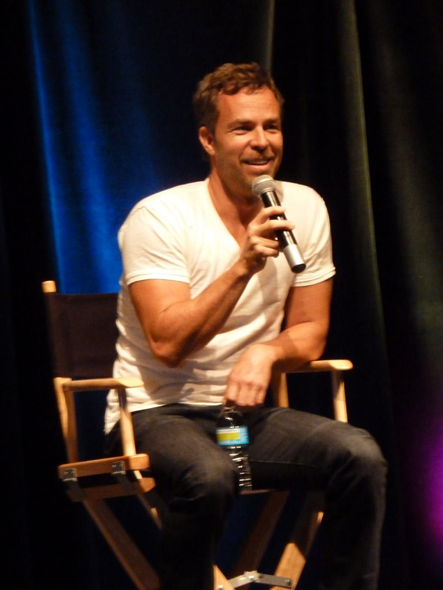 Creation Entertainment Stargate Chicago - JR Bourne