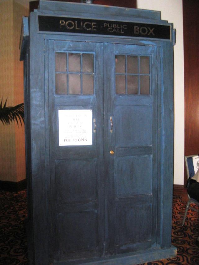 DragonCon 2011 - Dr. Who Tardis