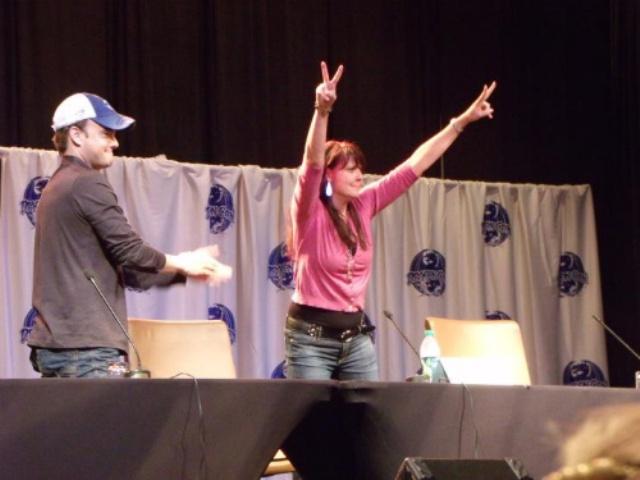DragonCon 2011 - Robin and Amanda at Sanctuary panel!