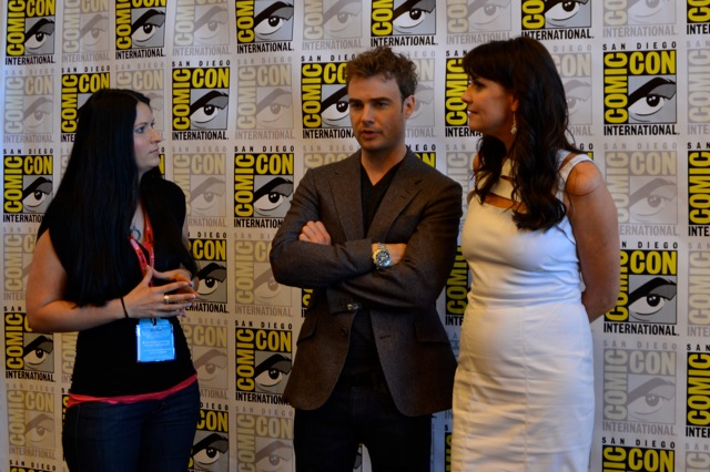 My SDCC adventure-Rachelle with Amanda Tapping & Robin Dunne