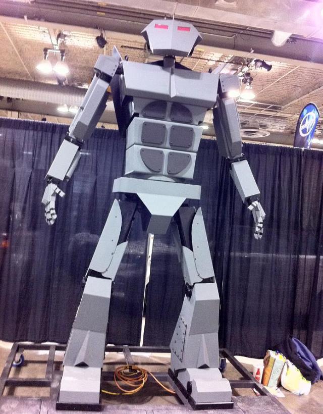 Calgary Expo 2012 - Giant Robot