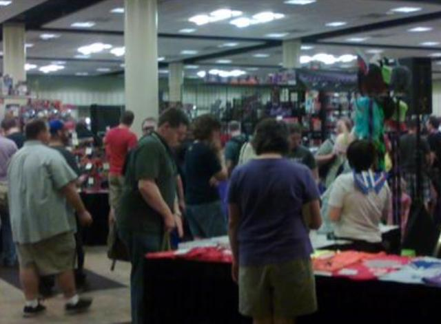 BotCon 2012 - Lining up at largest Transformers toy store!