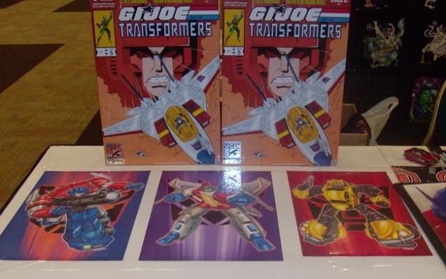 BotCon 2012 - Cool Transformer items for sale!
