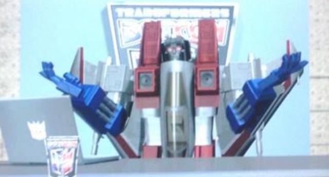 BotCon 2012: Optimus Prime of the Transformers Saves Dallas From Evil Decepticons!