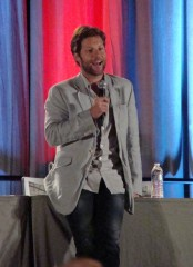 Phoenix Comicon 2012 - Jamie Bamber of BSG