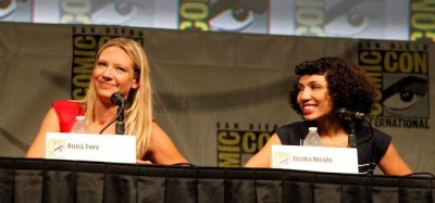 SDCC Fringe 2012 - Anna Torv and Jasika Nicole all smile at last panel