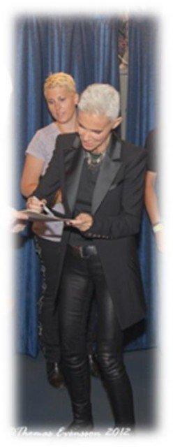 Roxette NYC 2012 - Marie of Roxette signs autographs