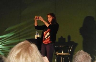 AT6 Ripples -Amanda snaps more keepsakes of the convention