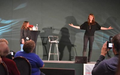 AT6 Ripples - Amanda Tapping's shadow looks like a werewolf on stage but she is not!
