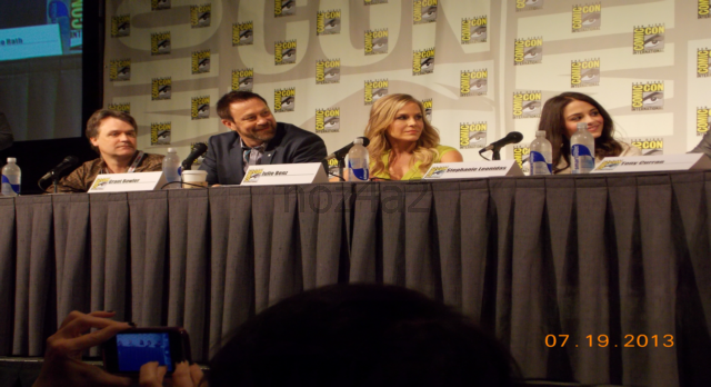 Defiance SDCC-2013-Cast & producer