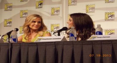 Defiance SDCC-2013 Julie Benz & Stephanie Leonidas