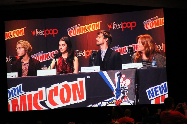 NYCC 2013 Day 3 Reign Panel #2