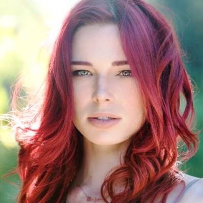 Chloe Dykstra Profile Pic from Origins book