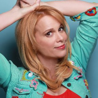 Click to visit and follow Chase Masterson on Twitter!