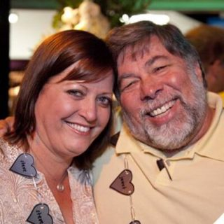 Click to visit and follow Janet and Steve Wozniak on Twitter!