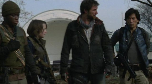 Falling Skies S1x02 - Old and young work together
