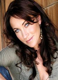 Click to visit and foloow Miranda Frigon on Twitter!