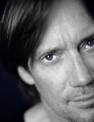 Click to visit and follow Kevin Sorbo on Twitter!