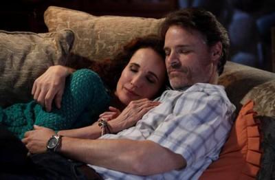 Cedar Cove - Olivia Lockhart and Jack Griffith snuggle