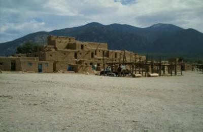 Hlauuma-north-house-Taos-Pueblo - Image courtesy Deborah Ledford web site